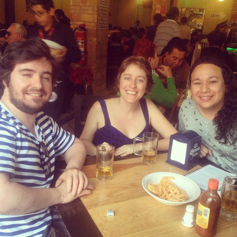 Na mesa de um botanero em Puebla, México