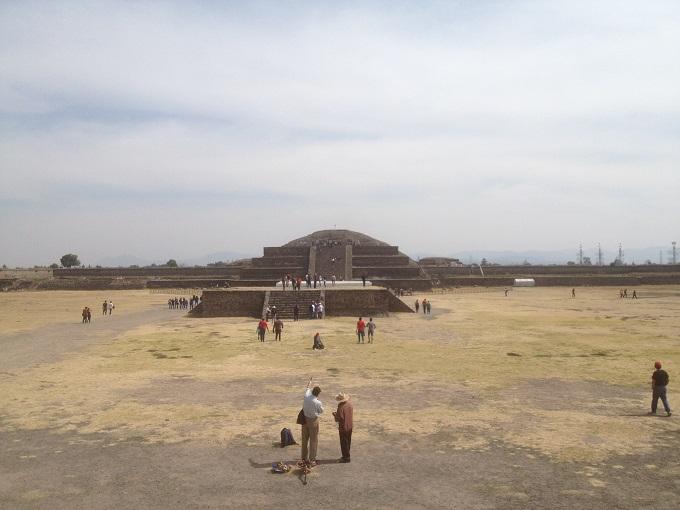 Zona Arqueológica de Teotihuacan no México