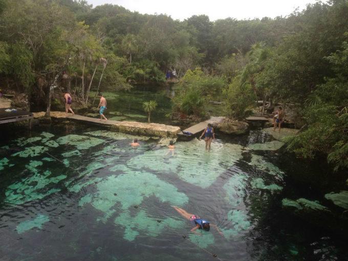 Cenote Azul - Playa del Carmen - México