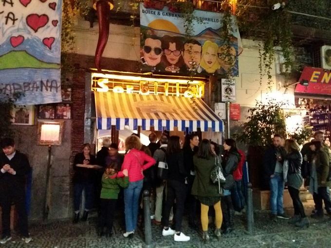 Pizzaria Gino Sorbillo em Nápoles - Itália