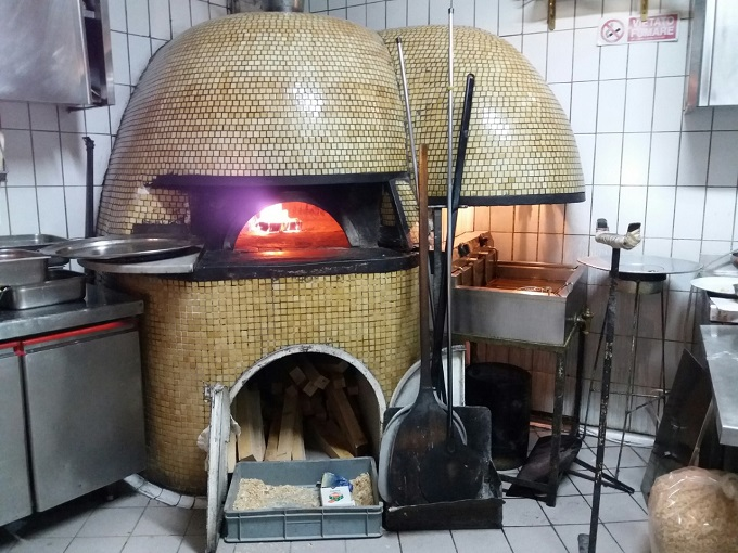Pizzaria mais antiga de Nápoles