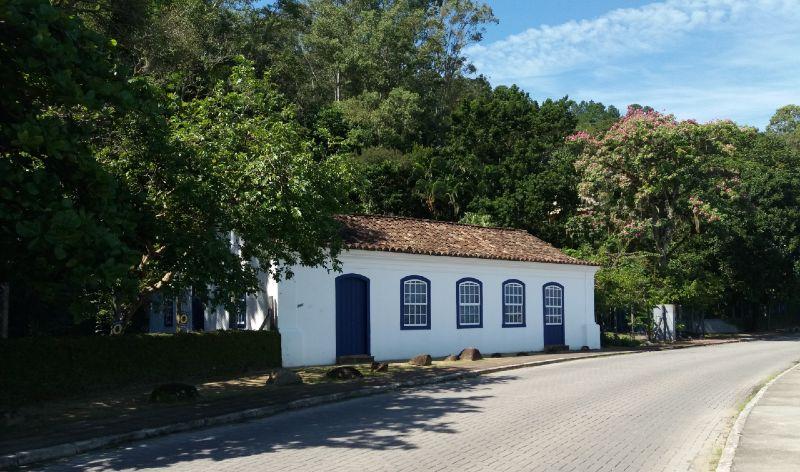 Casinha portuguesa entre Santo Antônio de Lisboa e Sambaqui