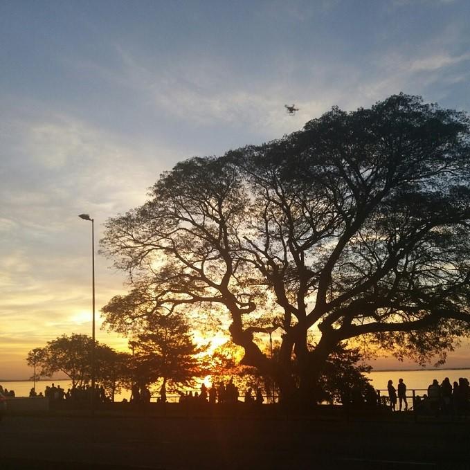 Pôr-do-sol no Museu Iberê Camargo