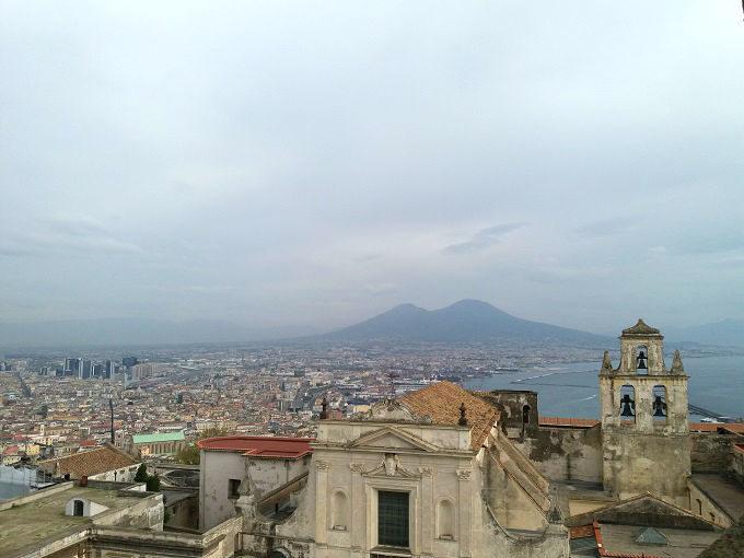 Visitar os castelos de Nápoles na Itália