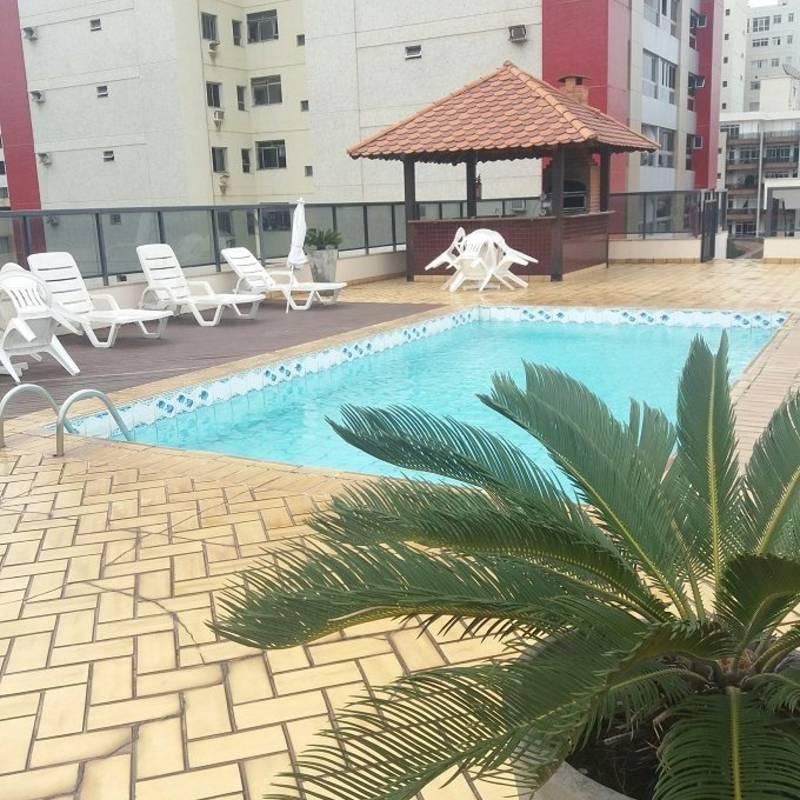 Piscina no terraço do Champagnat Praia Hotel em Vila Velha