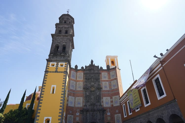 Transporte em Puebla, México: vista dos edifícios da cidade