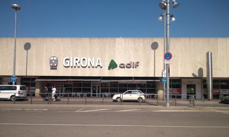 Procure hotéis em Girona próximos da estação de trem para estadias mais curtas