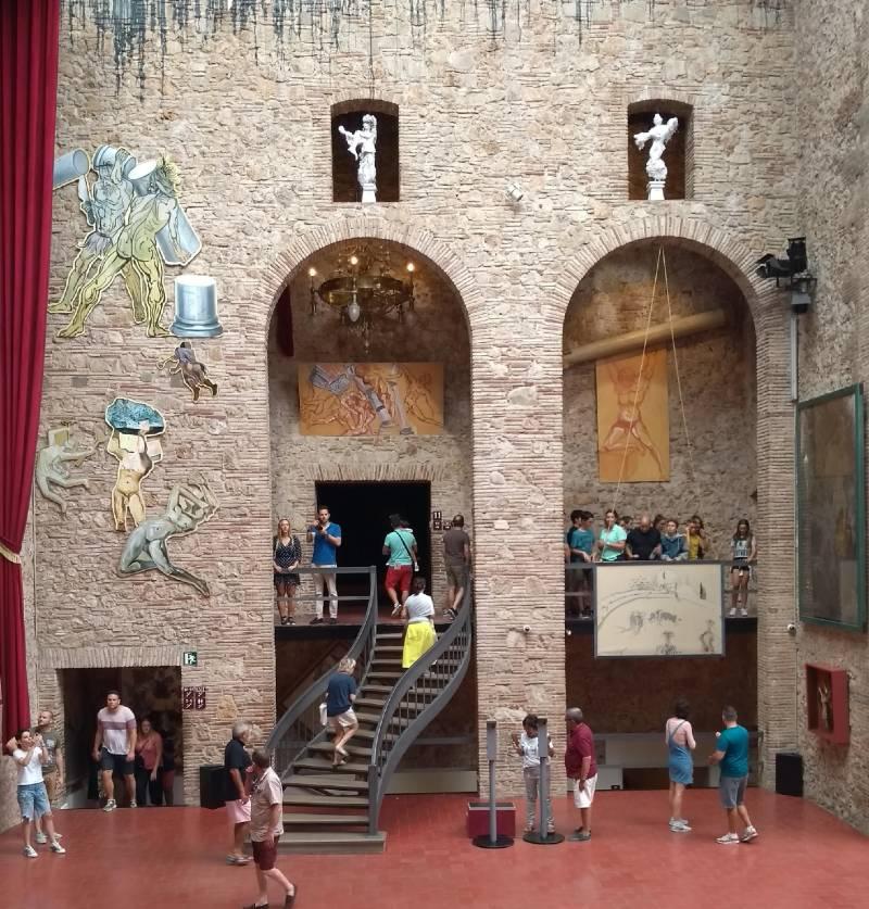 A sala principal do Museu Dalí une os diversos espaços expositivos