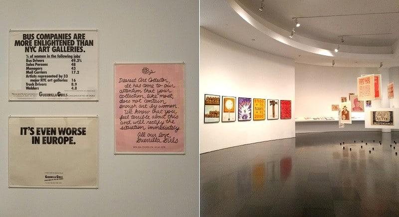 """Duas imagens lado a lado. Na primeira, vê-se três quadros localizados em um dos museus em Barcelona. Tratam-se de cartazes que indicam a desigualdade de gênero na arte, escritos em inglês. Ao alto e à esquerda, lê-se """"Companhias de ônibus são mais esclarecidas que as galerias de arte de Nova York"""", seguido de dados do setor. Abaixo deste quadro há um que diz """"É ainda pior na Europa"""". Ao lado destes, na vertical, um quadro escrito em letra cursiva diz: """"Querido colecionador de arte, percebemos que sua coleção, assim como a maioria, não contém uma quantidade suficiente de arte feita por mulheres. Sabemos que você se sente péssimo com isso e irá solucionar a situação imediatamente. Com amor, Guerrilha Girls"""". Na foto ao lado, um panorama de uma exposição com cartazes coloridos."""